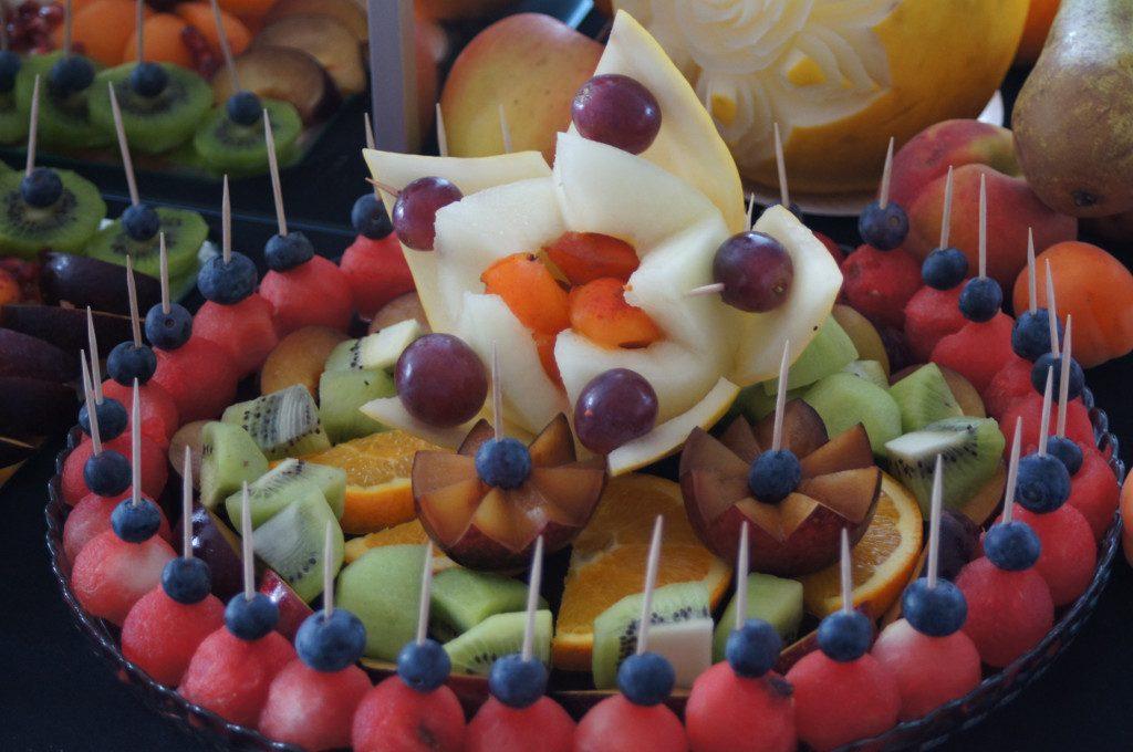 dekoracje owocowe, stół owocowy, bufet owocowy Turek Zajazd Staropolski