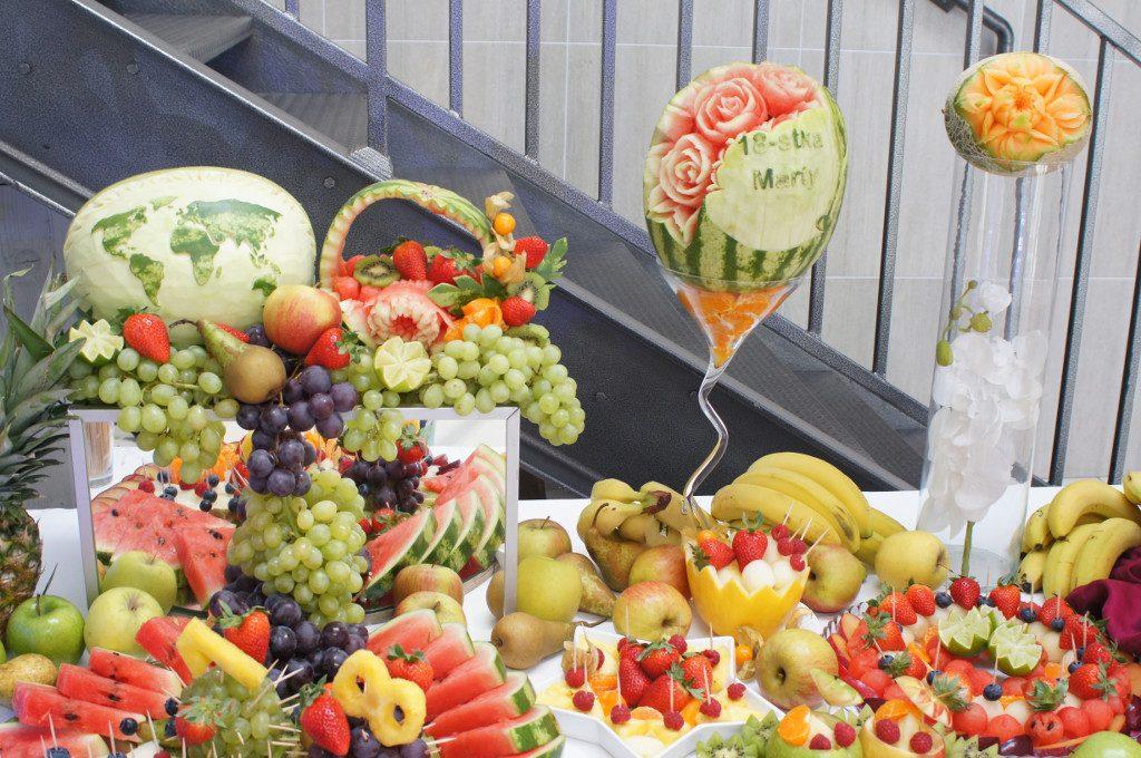 dekoracje owocowe, stół owocowy, carving Koło, Konin, Turek, Kłodawa, Kalisz, Warszawa, Poznań