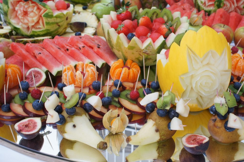 dekoracje z owoców, stół owocowy, owoce na przyjęcia Poznań, Warszawa, Koło, Konin, Turek, Kłodawa
