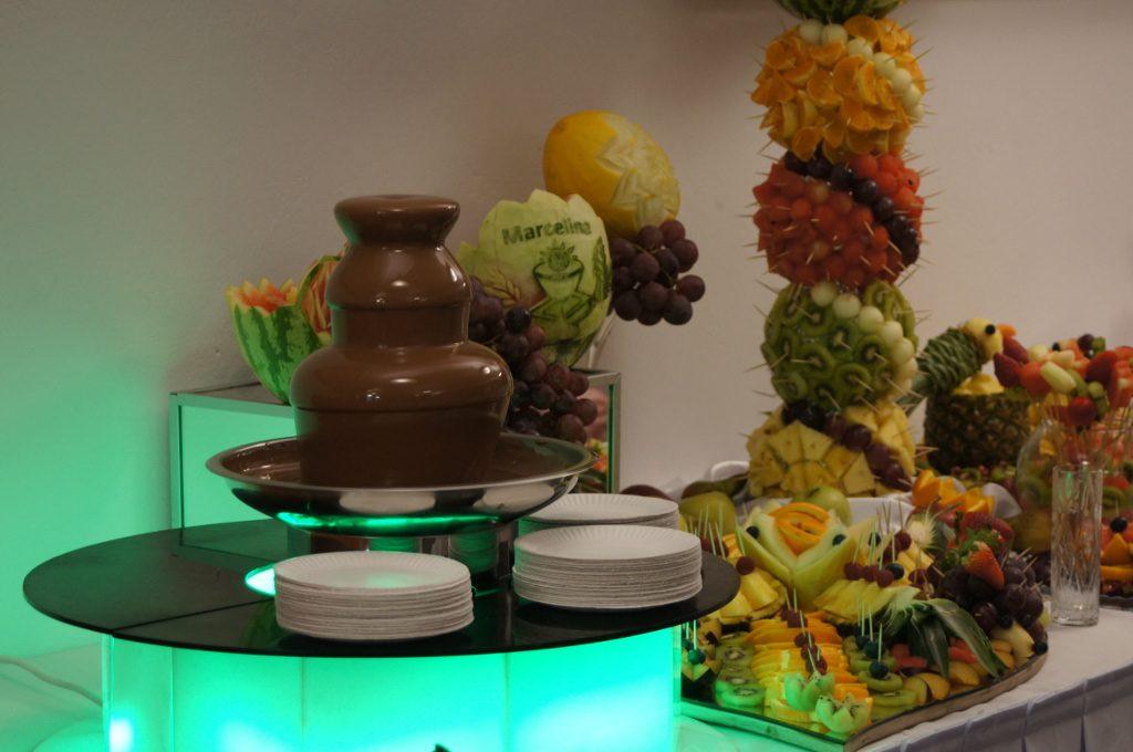 fontanna czekoladowa, bufet owocowy, stół owocowy Koło, Konin, Turek, Kłodawa