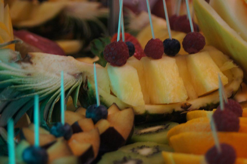 fontanna czekoladowa, dekoracje owocowe, carving, bufet owocowy Turkovia