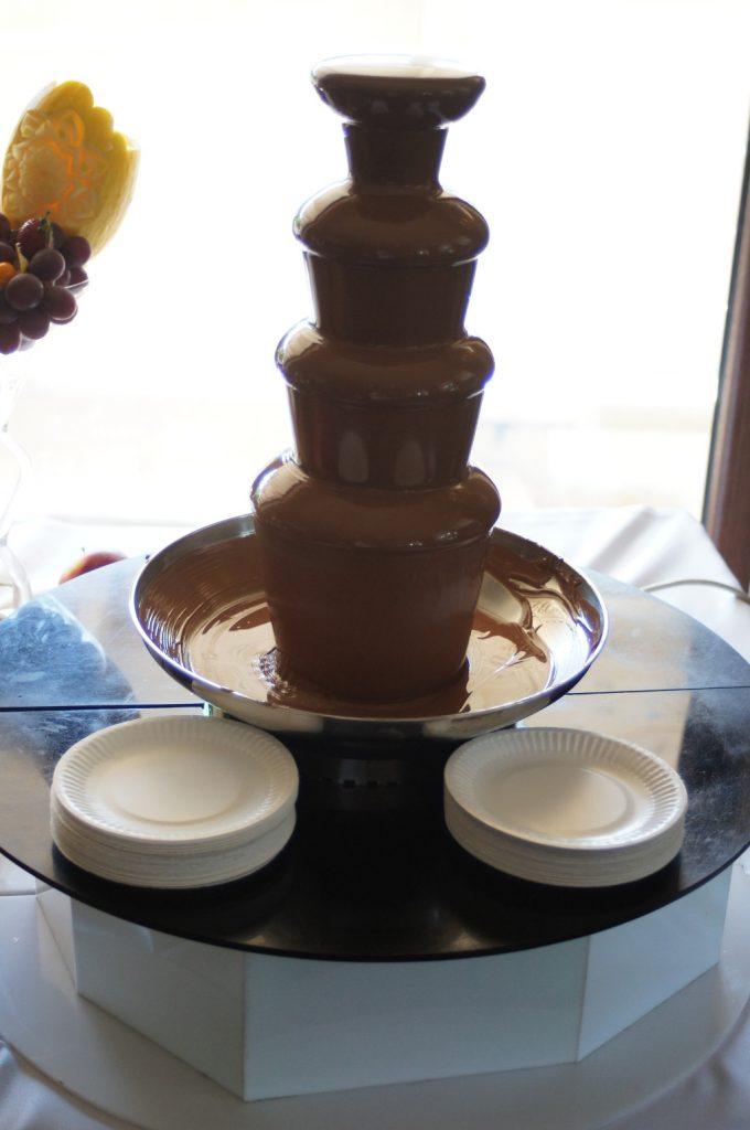 fontanna czekoladowa, fontanna z czekolady Wola Grzymkowa, Klisza