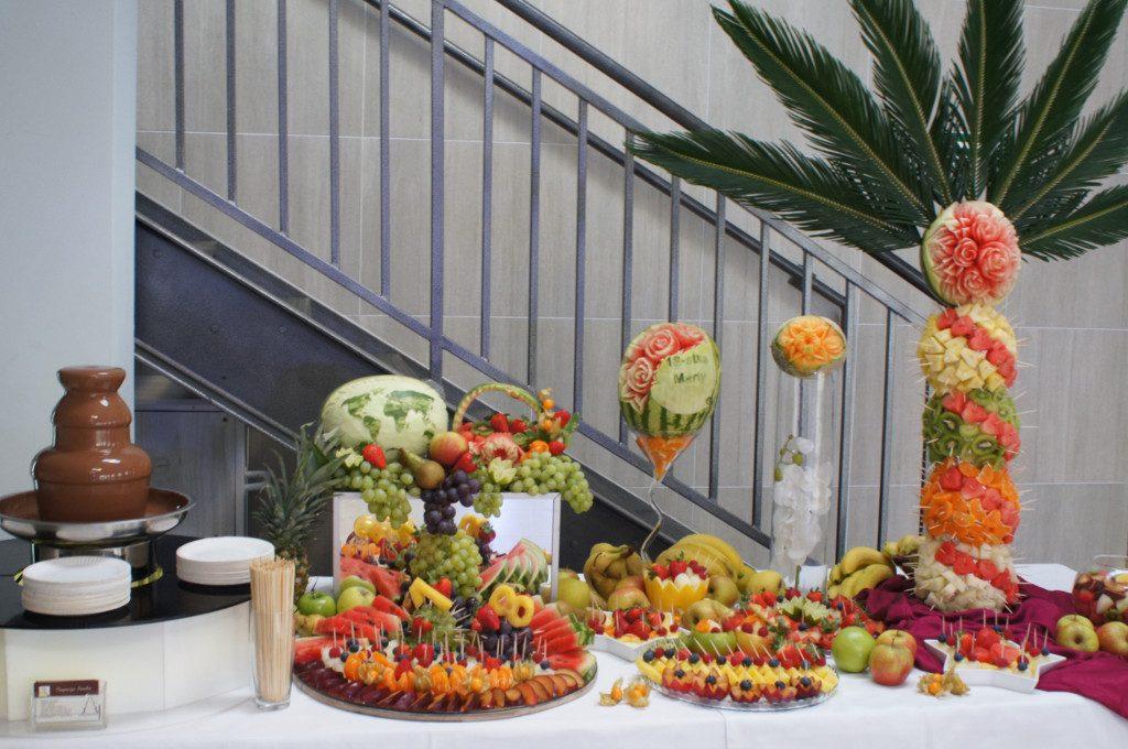 fontanna czekoladowa, palma owocowa, bufet owocowy, carving Koło, Konin, Turek, Kłodawa, Kalisz