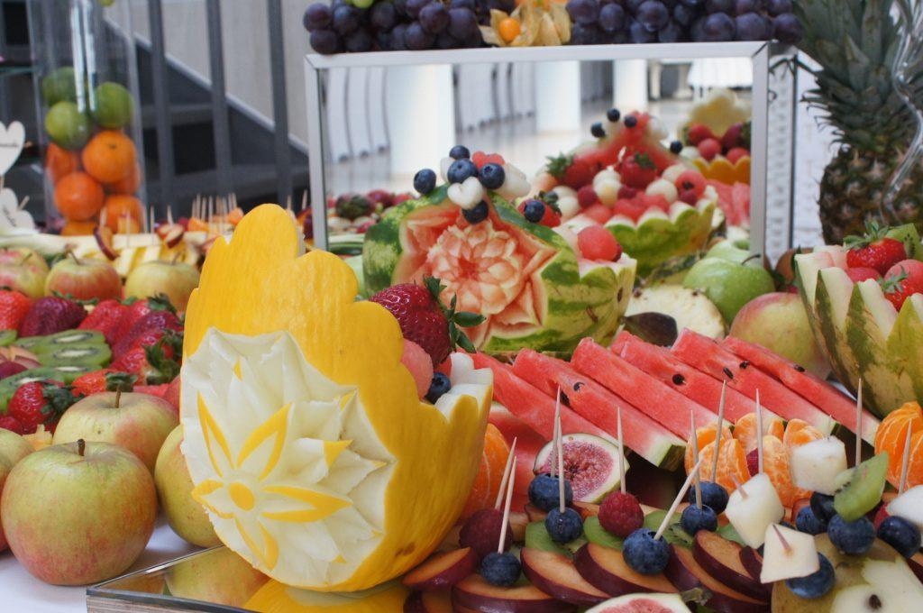 kosze owocowe, carving, deoracje z owoców Koło, Konin, Turek, Kłodawa