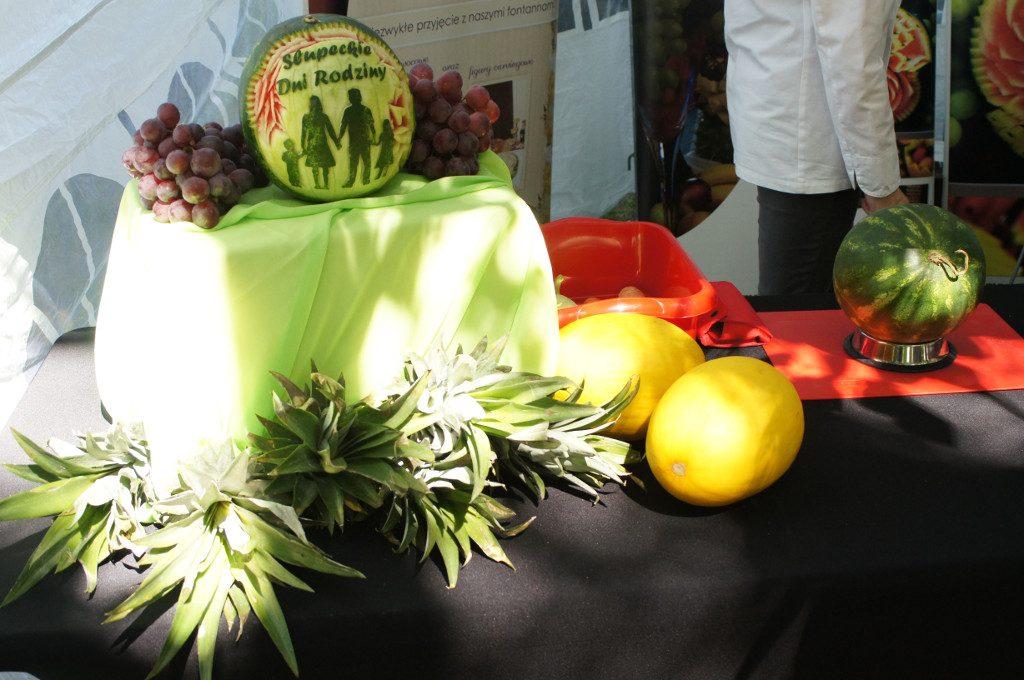 pokazy fruit carvingu, fontanna czekoladowa na event, imprezę firmową, bankiet