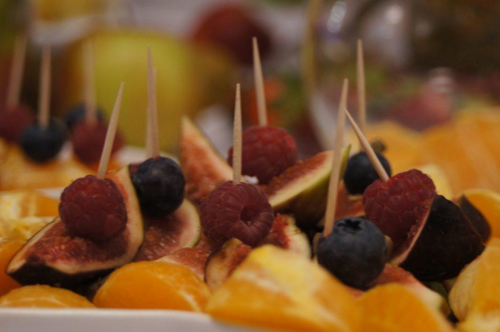 stół owocowy, dekoracje owocowe Turkovia