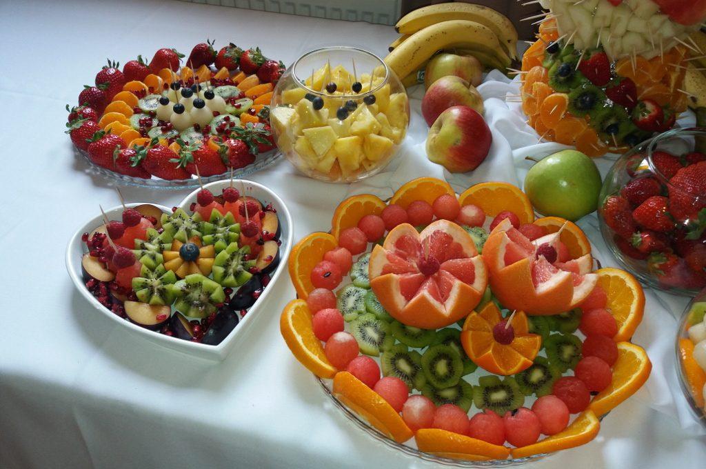 stół owocowy, dekoracje owocowe, carving, fontanna czekoladowa Poznań, Warszawa, Kalisz, Turek