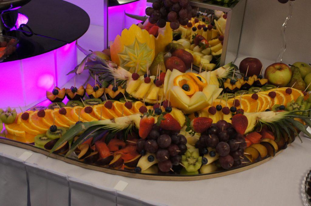 tace owocowe, dekoracje owocowe, bufet owocowy, stół z owocami, Koło, Konin, Turek, Kłodawa