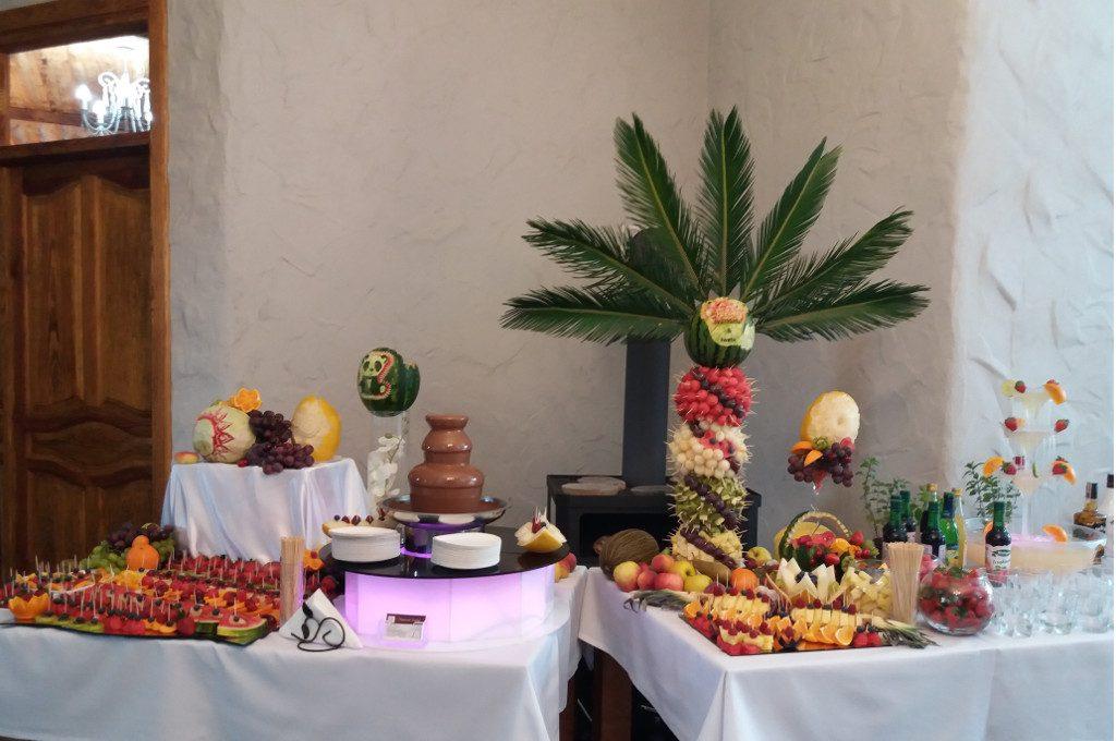 bufet owocowy, stół owocowy Jaworowy Dom