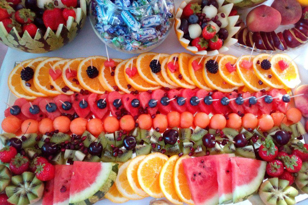 dekoracje owocowe, stół owocowy, bufet owocowy, fruit bar, fontanna czekoladowa
