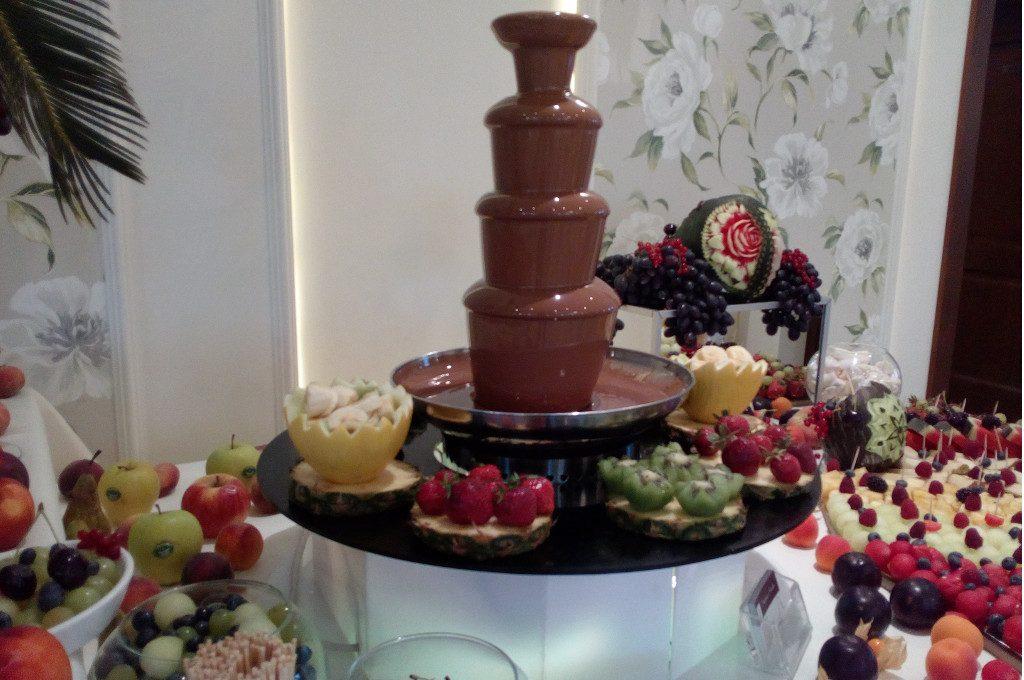 fontanna czekoladowa, fruit carving, bufet owocowy na bankiet, imprezę firmową, event