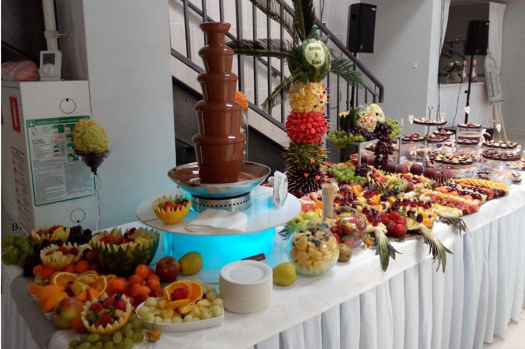 fontanna czekoladowa, stół owocowy, fruit bar, fruit carving, dekoracje owocoweTurek, Koło, Łódź, Kalisz, Słupca, Włocławek
