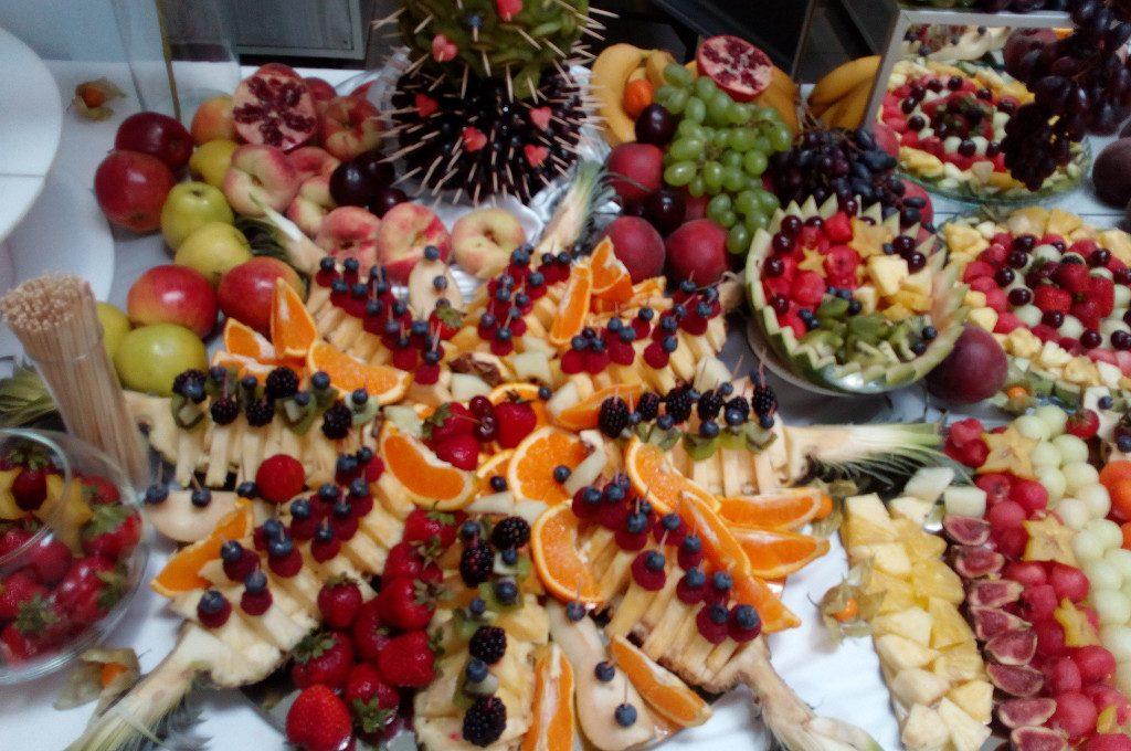 fruit carving, dekoracje owocowe, bufet owocowy Turek, Koło, Włocławek, Kalisz, Łódź, Poznań