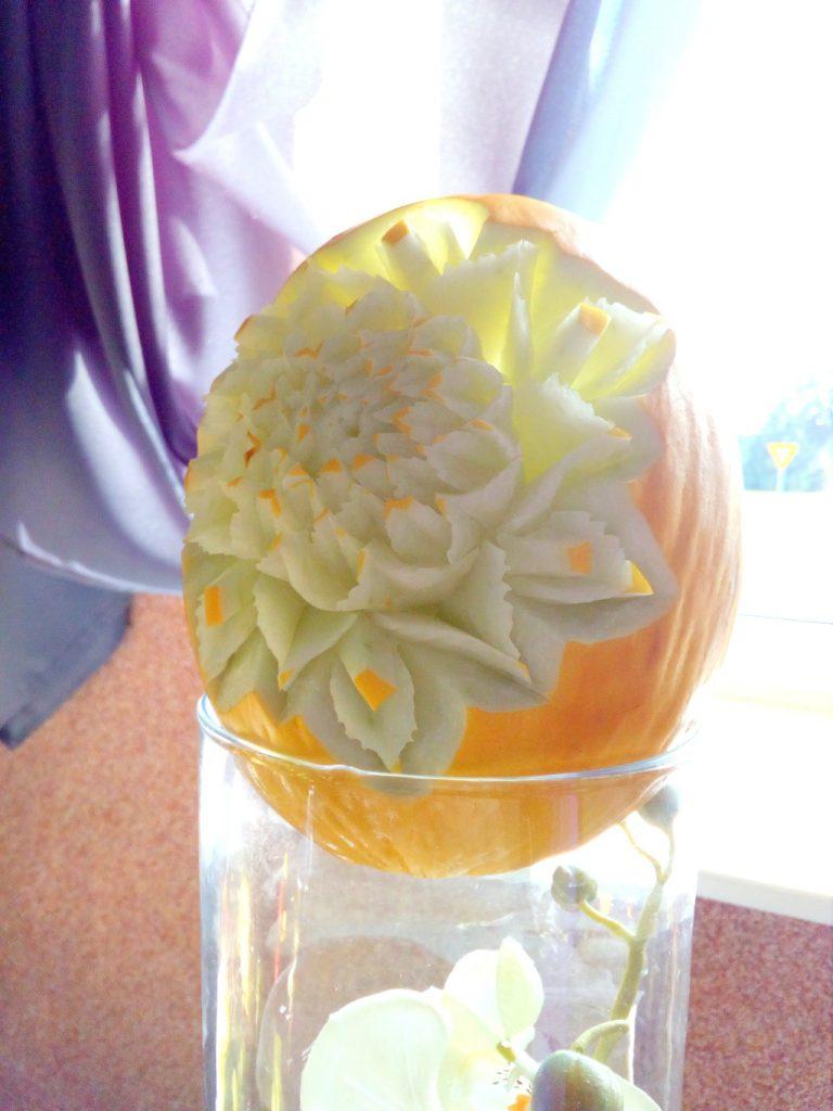 fruit carving, dekoracje owocowe na 18-stkę, bankiet, wesele