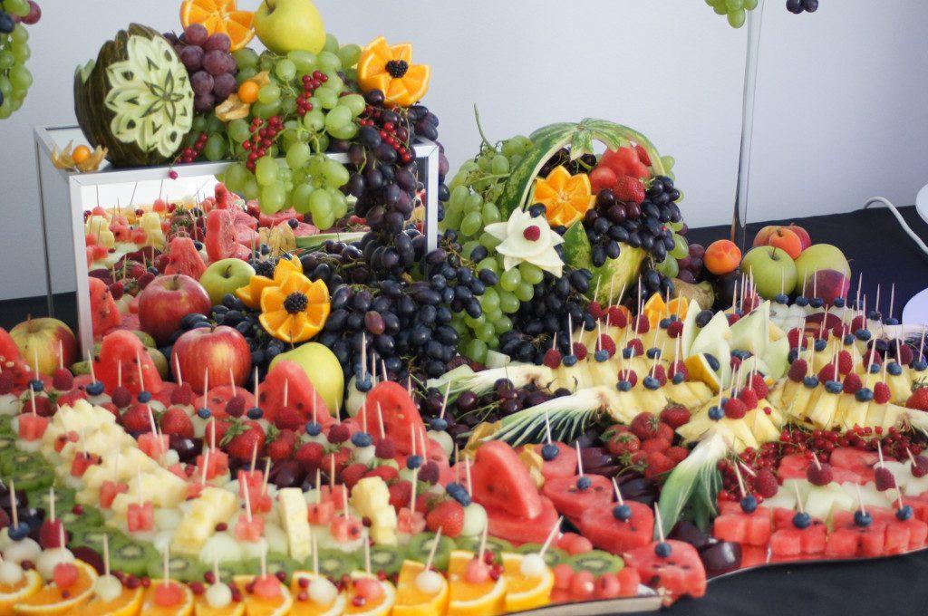 fruit carving, owocowe stoły, dekoracje owocowe na event, bankiet, konferencję, imprezę firmową Koło, Turek, Łódź, Poznań, Warszawa