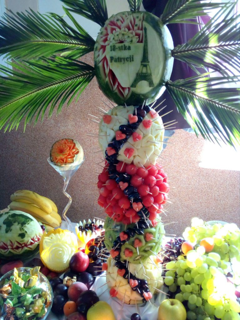 fruit carving, palma owocowa, palma z owoców, dekoracje owocowe, fruit bar
