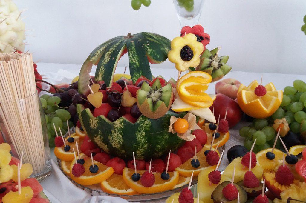 carving, bufet owocowy, stół owocowy, fruit bar, Hacjenda Malanów