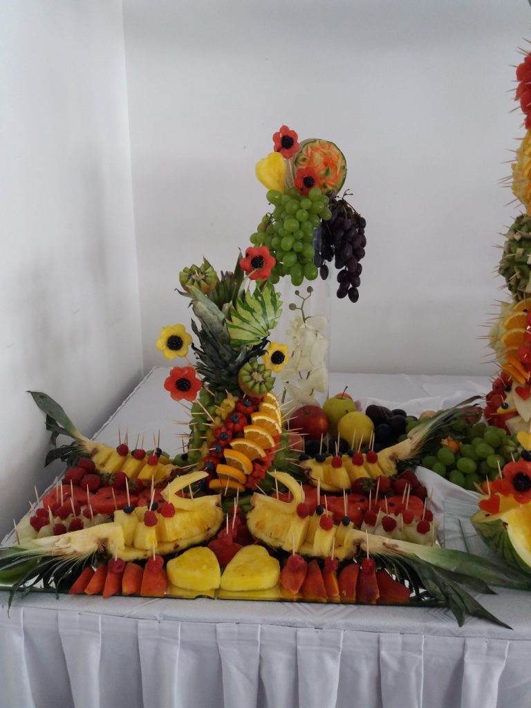 carving, dekoracje owocowe, fontanny czekoladowe, pokazy i warsztaty carvingu