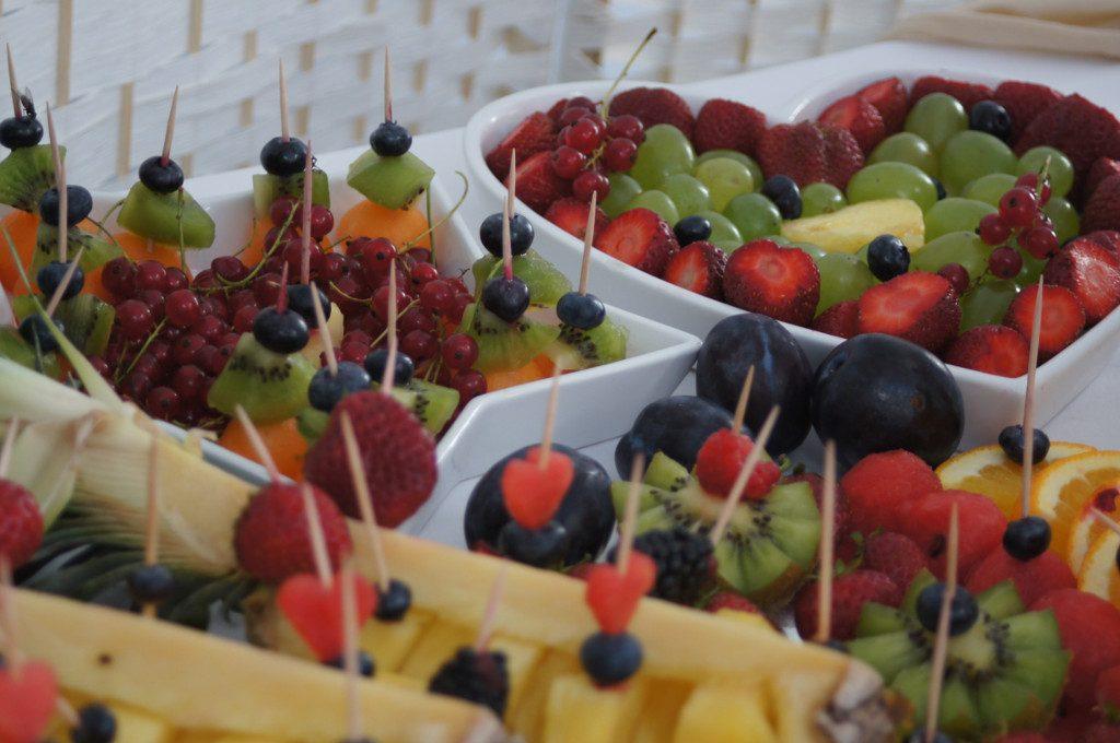dekoracje owocowe stoły z owocami Łódź