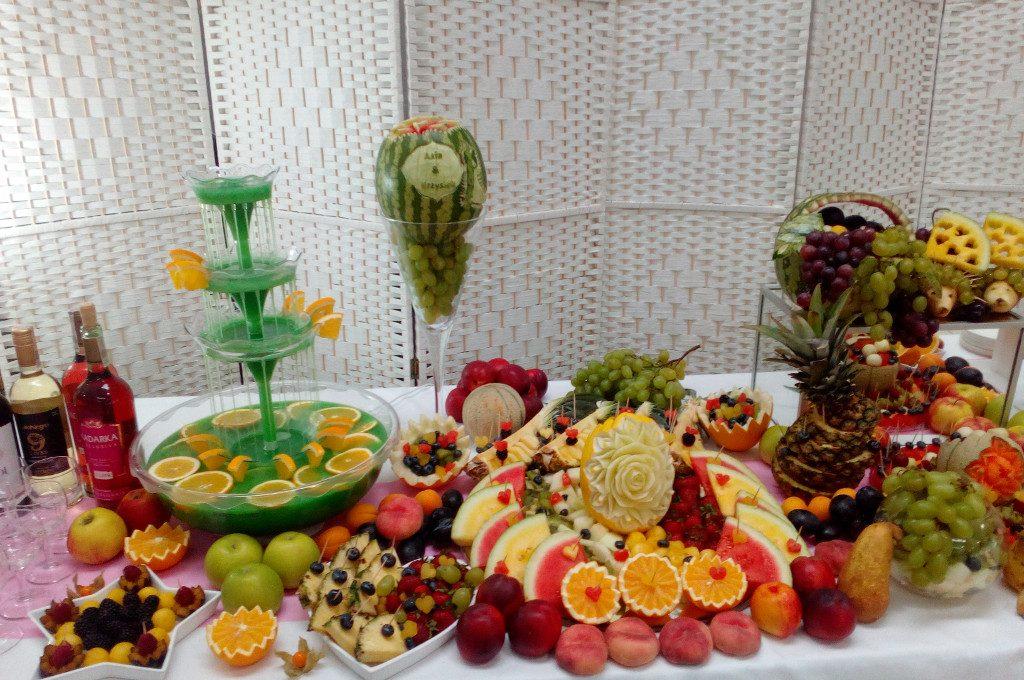 fontanna alkoholowa, dekoracje owocowe, stół z owocami Łódź, Poznań, Warszawa, Konin, Turek, Koło