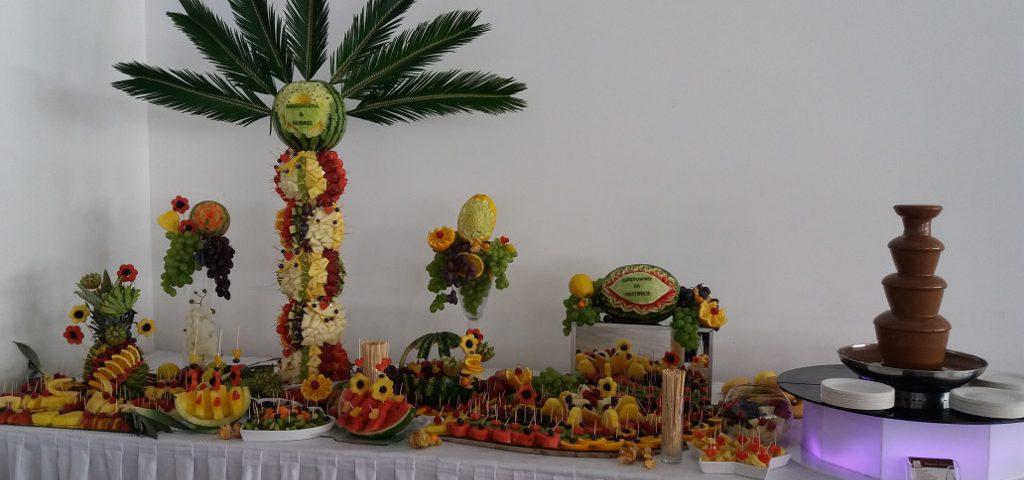 fontanna czekoladowa, bufet owocowy, stół z owocami, stół owocwy Hacjenda Malanów