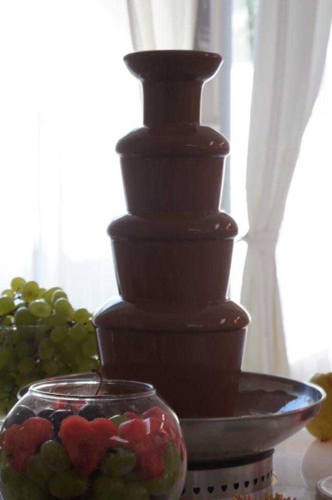 fontanna czekoladowa, fontanna z czekolady, fontanna z czekoladą Turek, Koło, Konin, Kalisz, Włocławek, Poznań, Warszawa