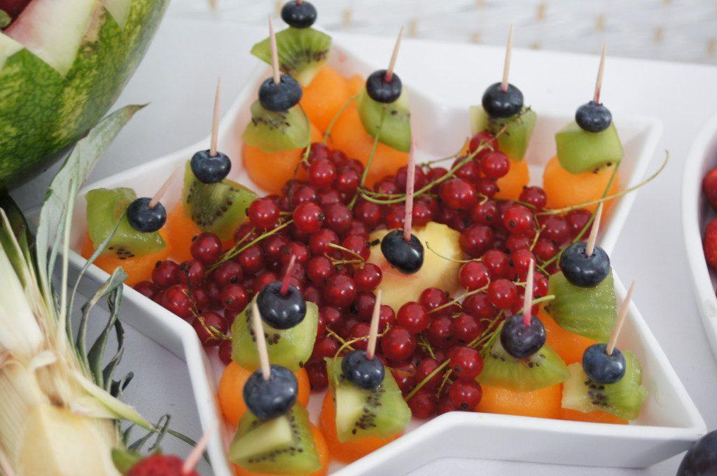 fruit carving, fruit bar, stół z owocami, fontanna czekoladowa