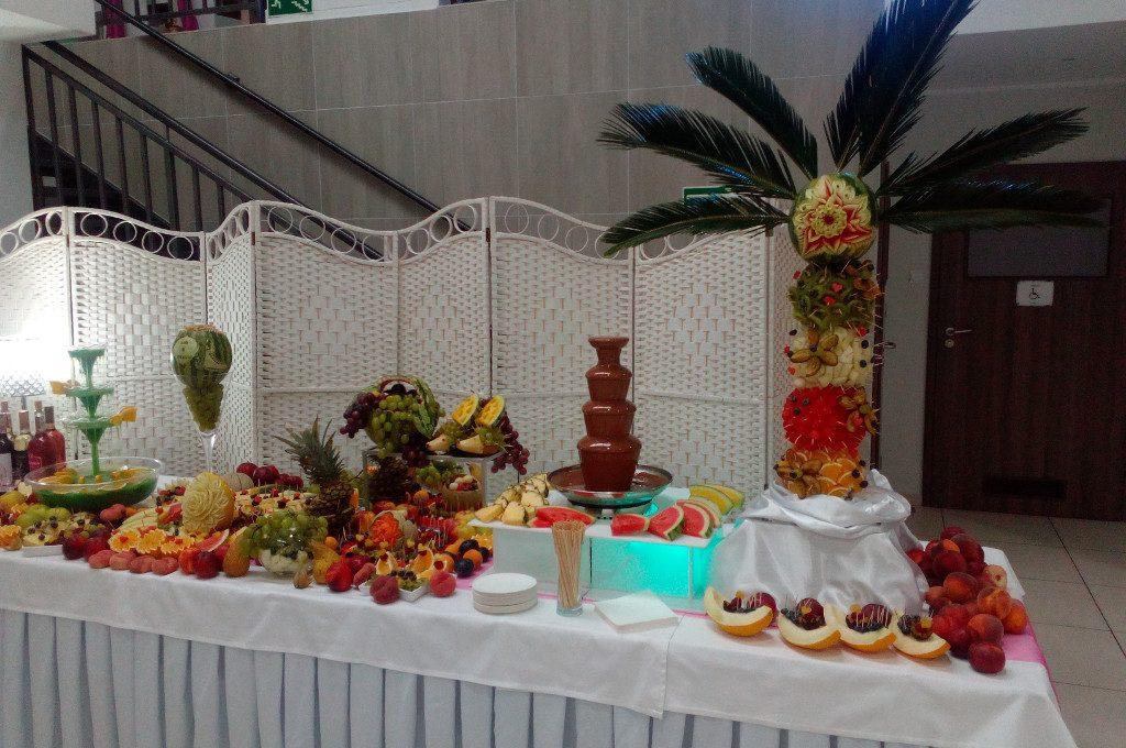 stół owocowy, fruit bar, fruit carving, fontanna czekoladowa Turek, Koło, Konin, Łódź