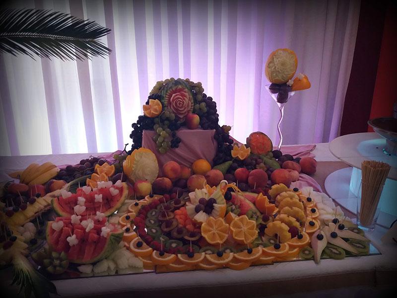Wyrzeźbione owoce
