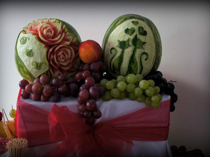 Carving stół owocowy