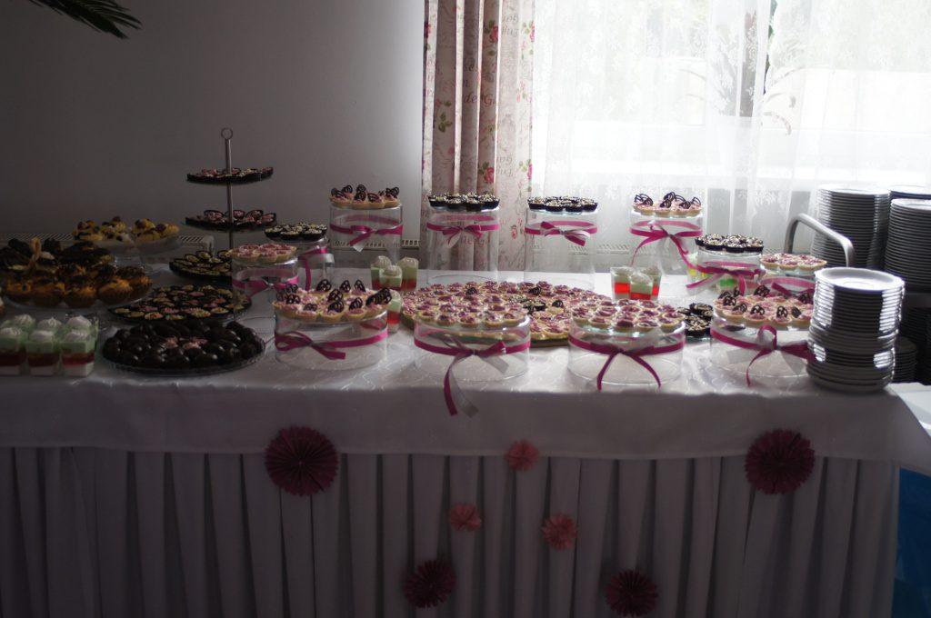 ssłodki stół, candy-bar, słodkości na przyjęcia