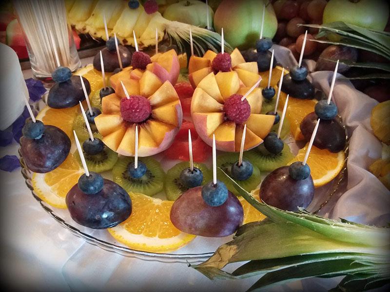 Bufet owocowy stół
