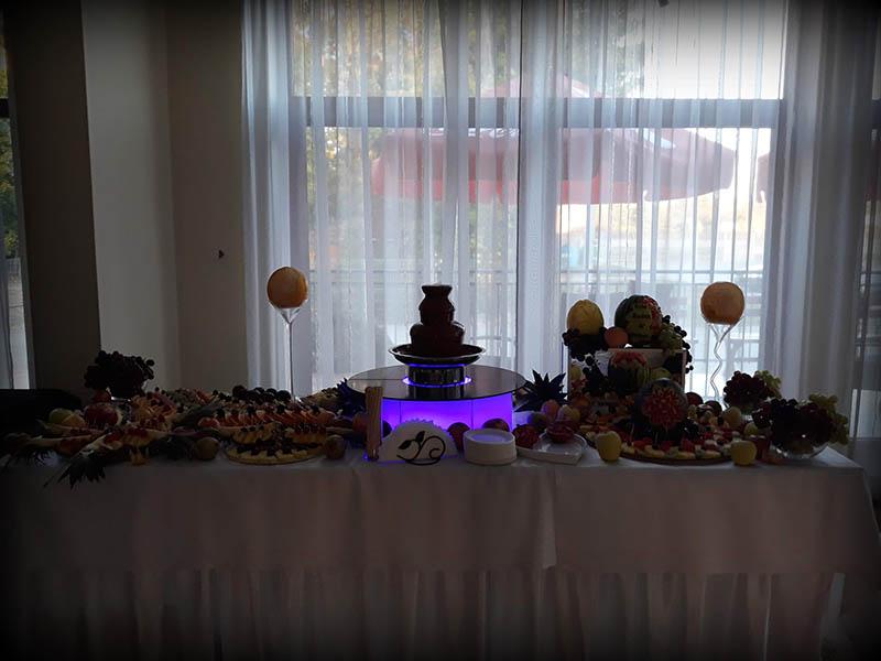 Fontanny czekoladowe na imprezie