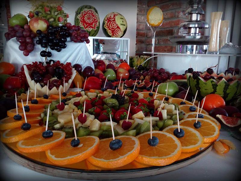 Stół owocowy w bar Turkovia