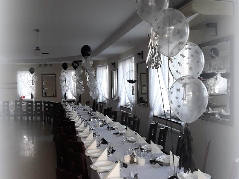 Dekoracje balonowe na sali
