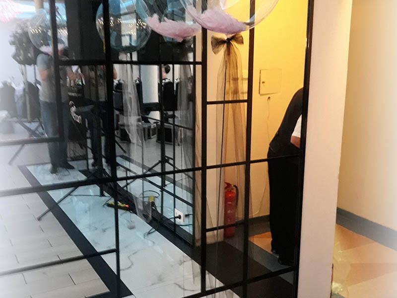 balony kule z piórami, dekoracje balonowe sal, dekoracje balonowe na 18stke, wesele, bal karnawałowy, sylwestra, balony z helem