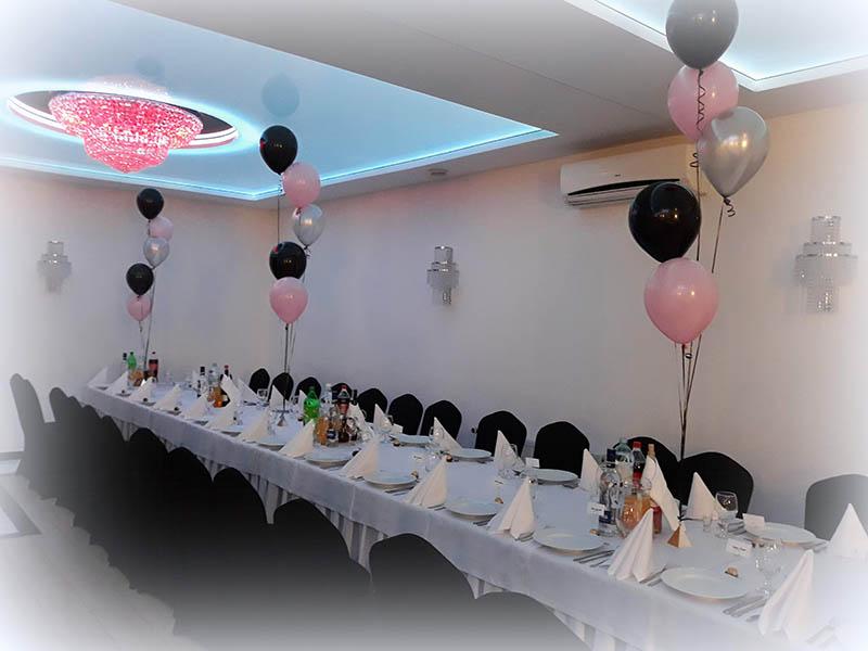 Profesjonalne dekoracje balonowe na 18 urodziny