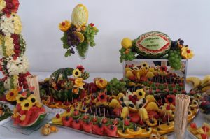 STÓŁ OWOCOWY Hacjenda Malanów, STÓL OWOCOWY, bufet owocowy, dekoracje owocowe Hacjenda Malanów