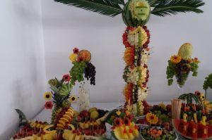 STÓŁ OWOCOWY Hacjenda Malanów, STÓL z owocami, bufet owocowy, dekoracje owocowe Hacjenda Malanów