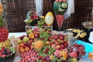 STÓŁ OWOCOWY Tawerna Brześć Kuj., dekoracje owocowe Tawerna Brześć kuj., fontanna czekoladowa Turek, stół z owocami, bufet owocowy