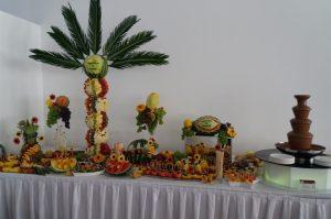 STÓŁ OWOCOWY kALISZ, STÓL OWOCOWY, bufet owocowy, dekoracje owocowe Hacjenda Malanów