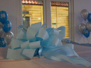 balloon box, balony na 18stkę, dekoracje balonowe, balony z helem koło, turek, Łódź, konin