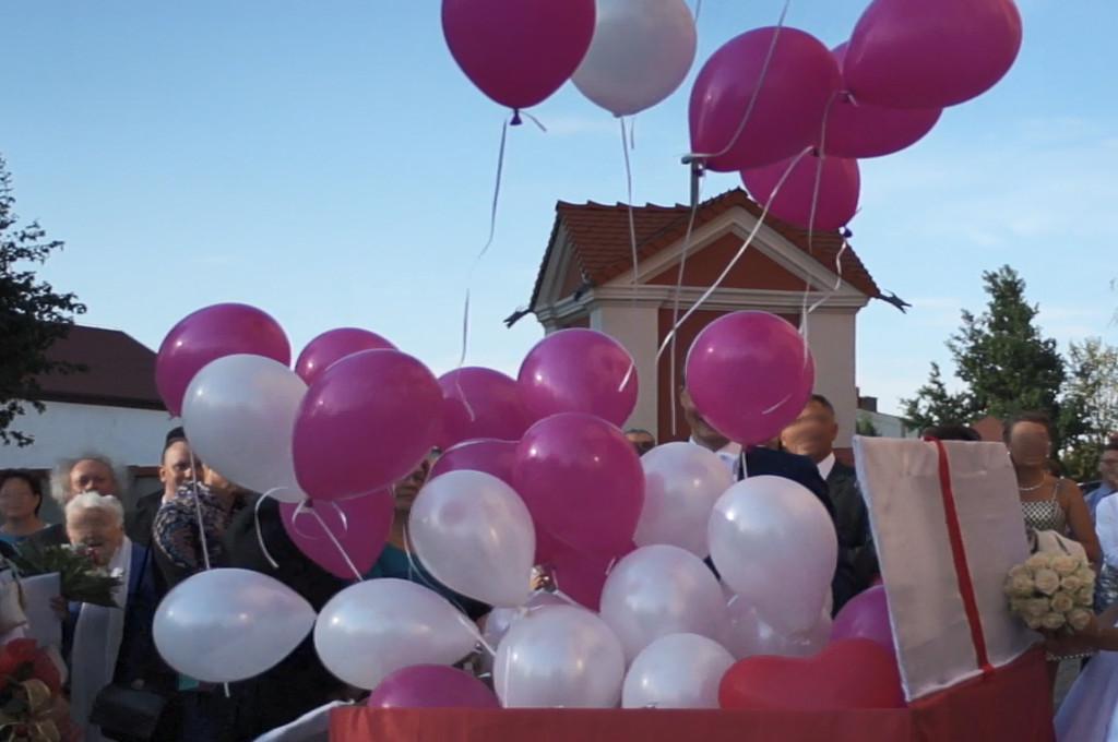 balonowa niespodzianka, balloon box, mega prezent balonowy Kłodawa, Turek, Koło, Uniejów, Łódź