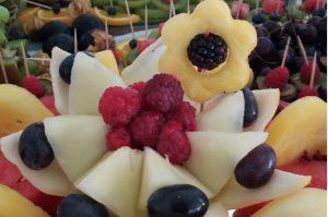 dekoracje owocowe Hacjenda Malanów, STÓŁ OWOCOWY Hacjenda Malanów, STÓL z owocami, bufet owocowy