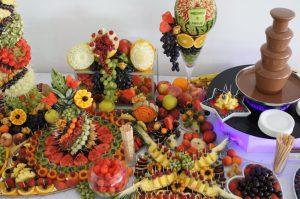 dekoracje owocowe Hacjenda Malanów, stół z owocami, bufet owocowy, STÓŁ OWOCOWY Hacjenda Malanów, fruit carving