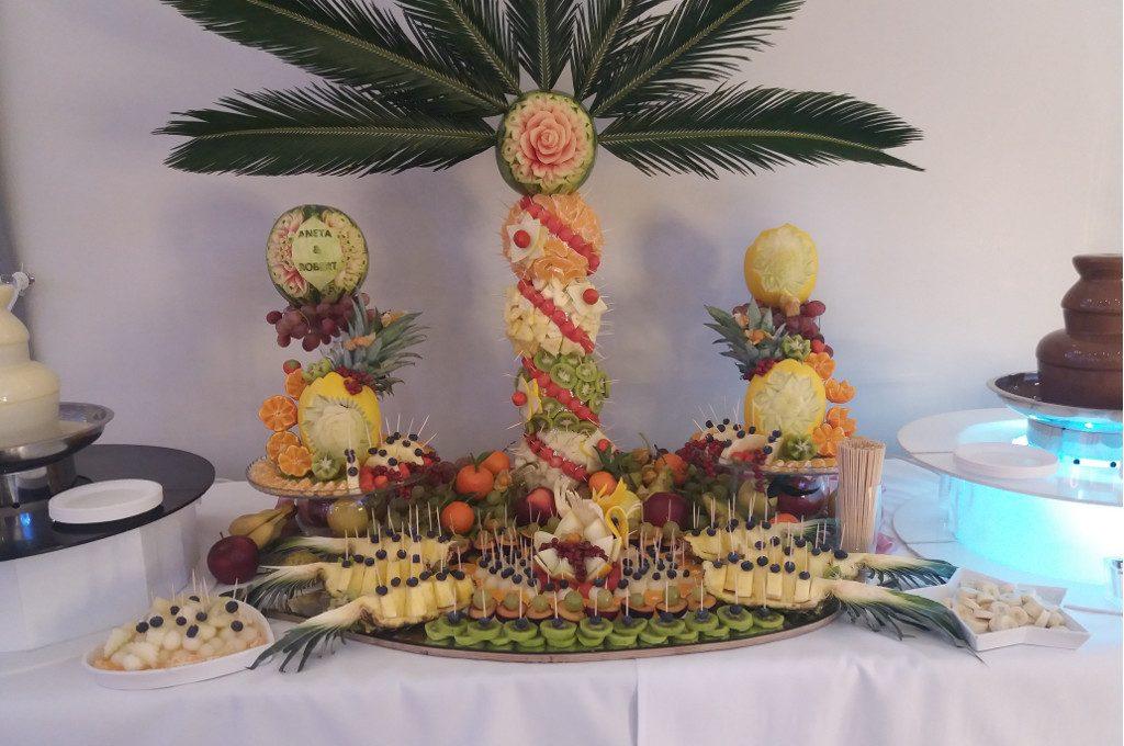 dekoracje owocowe Księżycowy Czar, stół z owocami, bufet owocowy, STÓŁ OWOCOWY Łódź