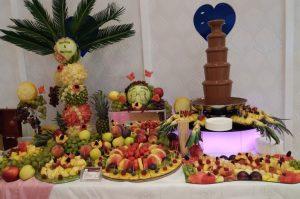 dekoracje owocowe Przystań pod Różą Solec wlkp, stół z owocami, bufet owocowy, STÓŁ OWOCOWY Środa wlkp