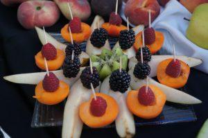 fontanna czekoladowa Ligrana Palace Koło, stół z owocami, stół owocowy Ligrana Palace Chojny, fruit carving, dekoracje owocowe , carving Warszawa