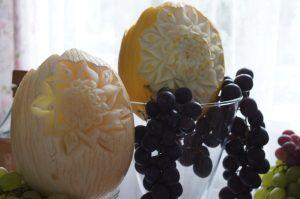 fontanna czekoladowa, STÓŁ OWOCOWY Dom weselny Jola w Kolnicy, dekoracje owocowe Jola w Kolnicy, stół z owocami, bufet owocowy, fruit carving