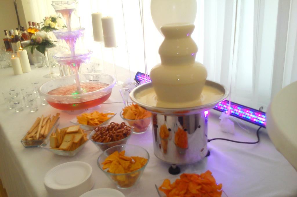 fontanna serowa, fondue serowe, fontanna z serem Koło, Turek, Łódź, Kalisz, Konin, Września